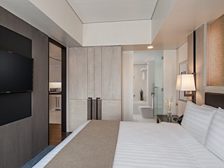 Seda BGC-Suite Master Bedroom