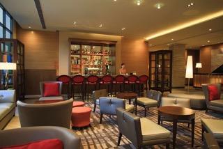 Holiday Inn Makati Lounge